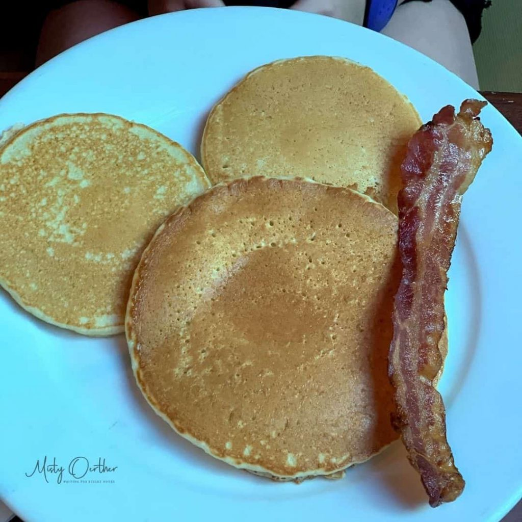 Food image from Kona Cafe, Mickey shaped pancakes